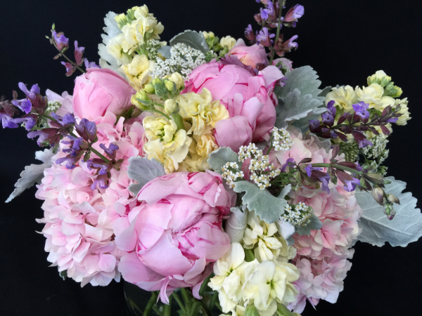 Wedding_bouquet_spring_peonies_