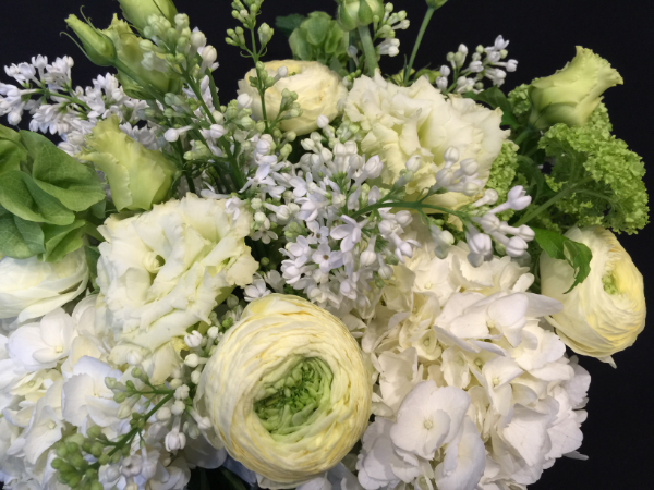 Wedding_bouquet_white__green_spring